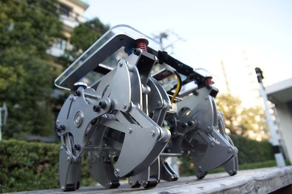 Land Crawler exTreme robot carries 175 pounds of human