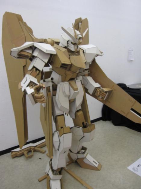 cardboard-gundam.jpg