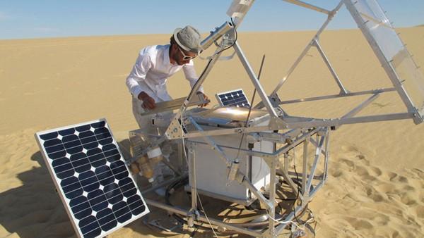 Solar Sinter solar-powered 3D printer turns sand into glass, renews our faith in higher education (video)